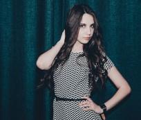 długowłosa dziewczyna