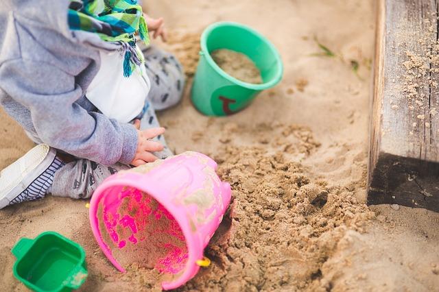 zabawa w piaskownicy
