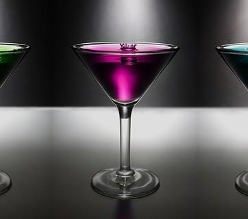 Kieliszki z kolorowymi alkoholami