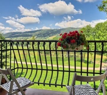 widok z balkonu na góry