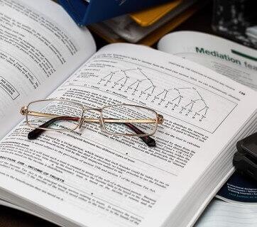 książki i okulary