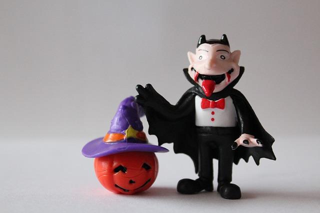 figurki wampira i dyni