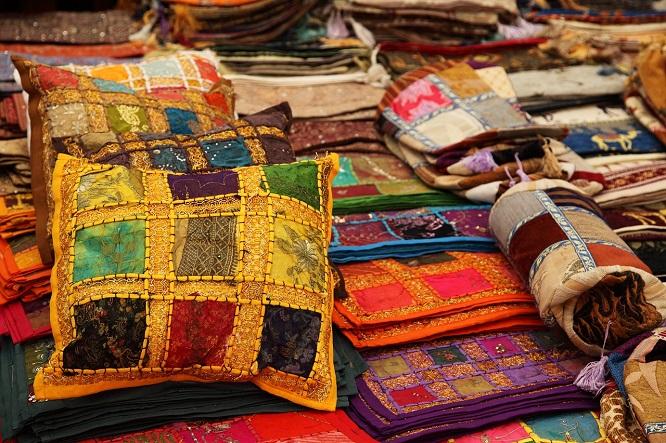 Tekstylia-w-stylu-bliskiego-wschodu