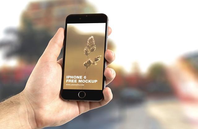 iphone w ręce