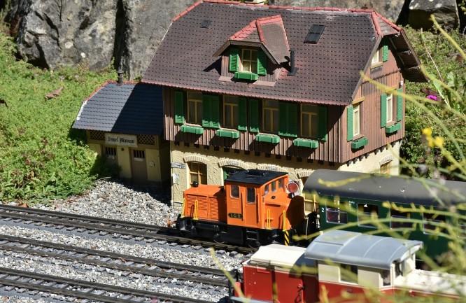 miniaturowy pociąg